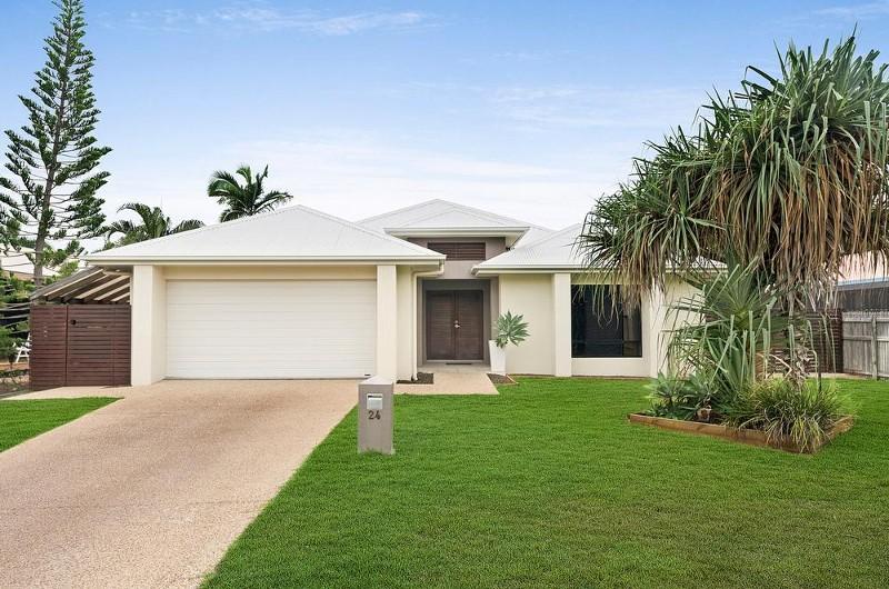 24 pacific avenue bushland beach qld 4818 400981 for Beach house designs townsville