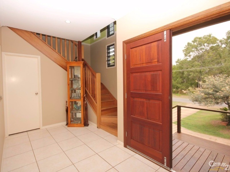 27 Kindt Street, Moore Park Beach - House for Sale in Moore Park Beach