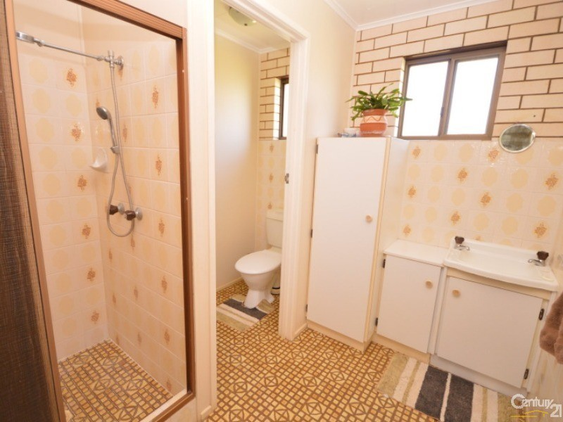 39 Linden Crescent , Qunaba - House for Sale in Qunaba
