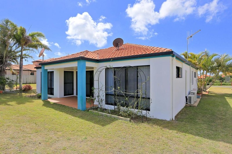 20 Chantelle Circuit, Coral Cove - House for Sale in Coral Cove