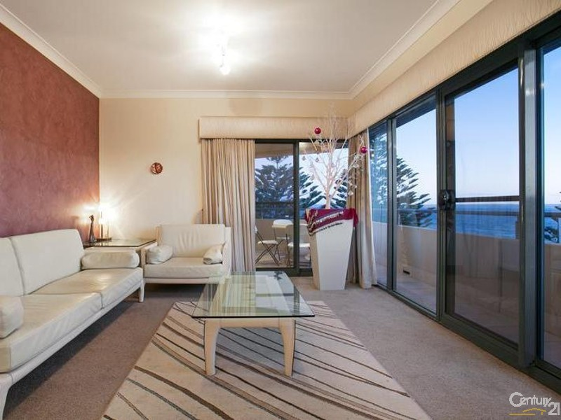 Penthouse 303 Kingscote Terrace, Kingscote - Townhouse for Sale in Kingscote