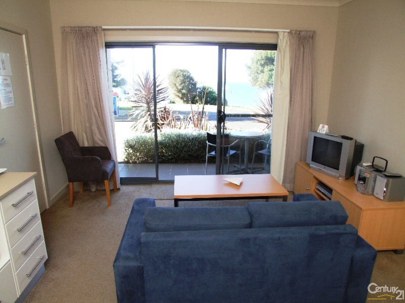 Downstairs Living - 8/7 Kingscote Terrace, Kingscote - Apartment for Sale in Kingscote