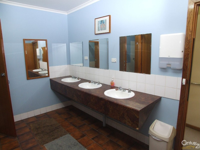 mens amenities room - 19 Murray Street, Kingscote - House for Sale in Kingscote