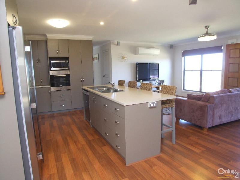27 Glen Barrett Drive, Kingscote - House for Sale in Kingscote