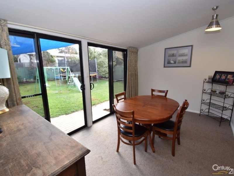 21 Willoughby Crescent, Kingscote - House for Sale in Kingscote