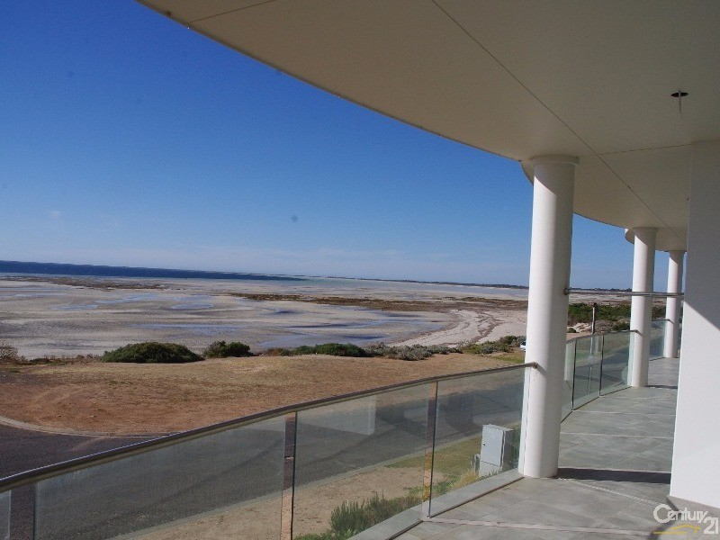 Unit 2 2 Marine Parade, Moonta Bay - Townhouse for Sale in Moonta Bay