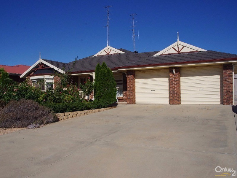 38 Highview Grove, Moonta Bay - House for Sale in Moonta Bay