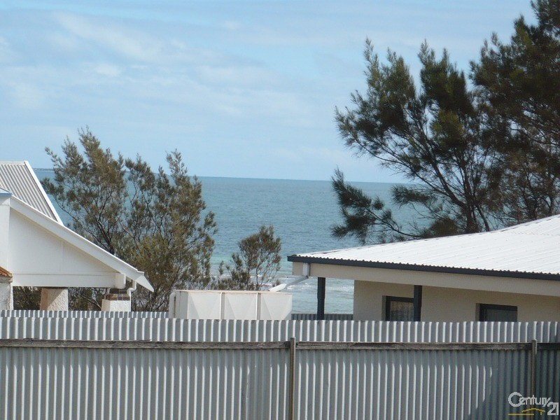 2 Hughes Avenue, Moonta Bay - House for Rent in Moonta Bay