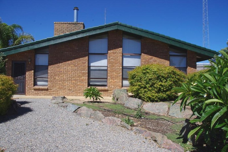 48 Hughes Avenue, Moonta Bay - House for Sale in Moonta Bay