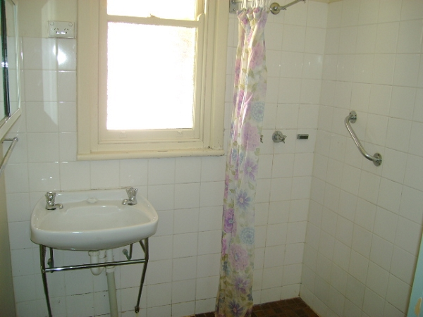 Tiled bathroom in number 21 - 19 / 21 Trelawney Street, Port Pirie - House for Sale in Port Pirie