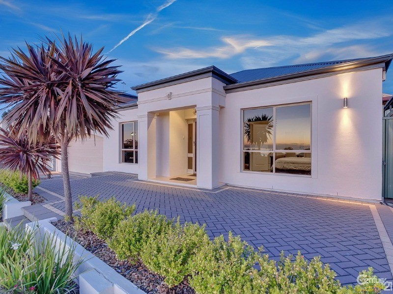 47 Elizabeth Crescent, Hallett Cove - House for Sale in Hallett Cove