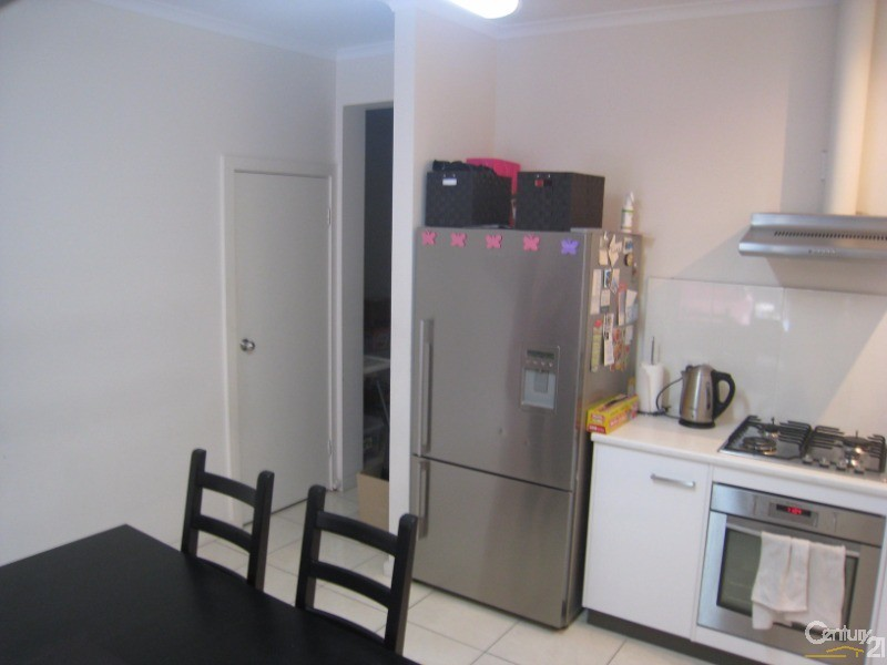 6 Weira Street, Mawson Lakes - Townhouse for Rent in Mawson Lakes