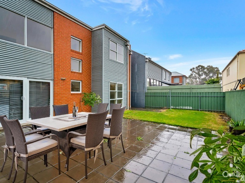 6 Wharfdale Lane, Mawson Lakes - House for Sale in Mawson Lakes