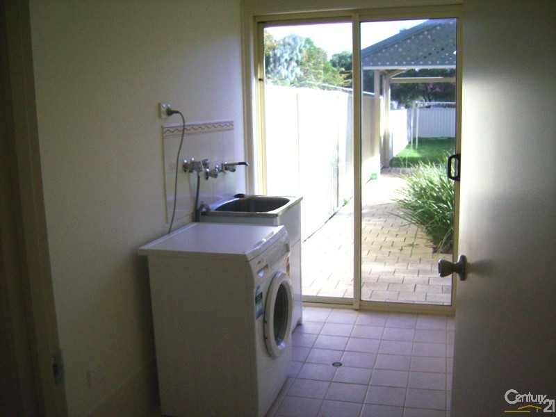 Duplex for Rent in Port Willunga SA 5173