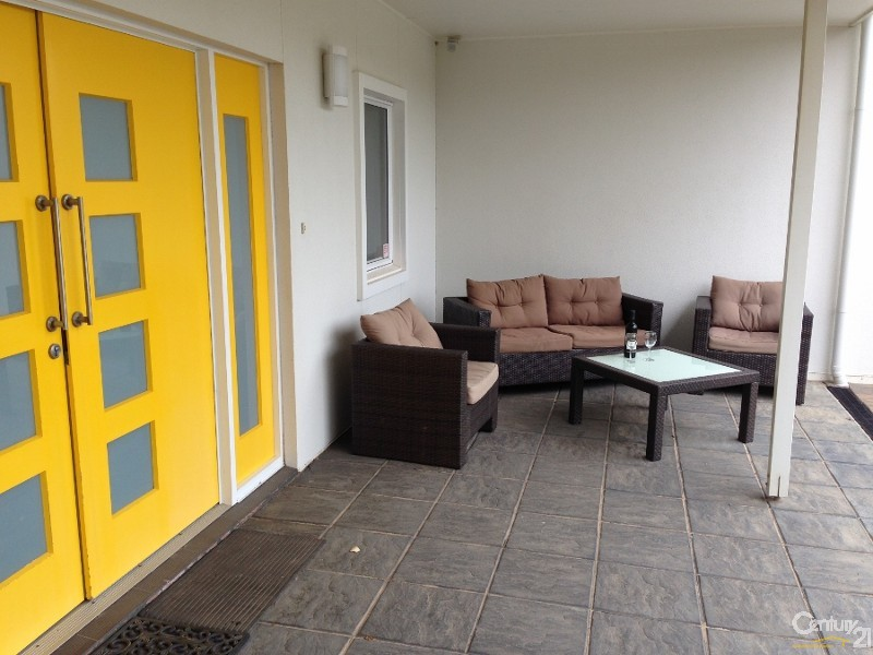 104 Second Avenue, Moana - Holiday House Rental in Moana