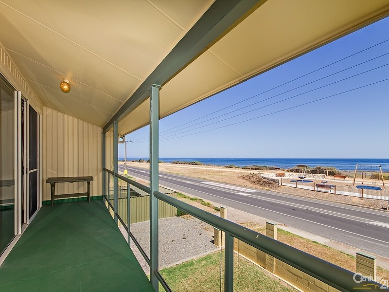 108 Esplanade, Aldinga Beach - Holiday House Rental in Aldinga Beach