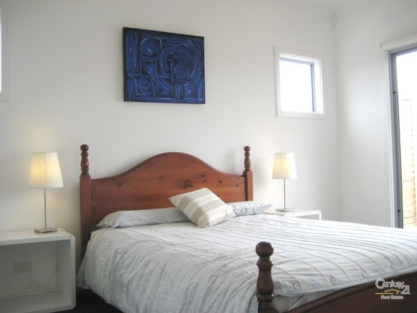 1 Gisborne Avenue, Sellicks Beach - Holiday House Rental in Sellicks Beach