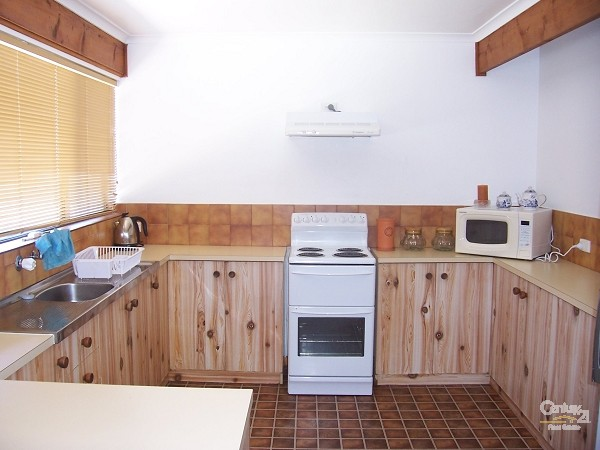 60 Coolangatta Drive, Aldinga Beach - Holiday House Rental in Aldinga Beach