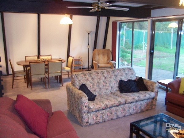 10 Quondong Avenue, Aldinga Beach - Holiday House Rental in Aldinga Beach