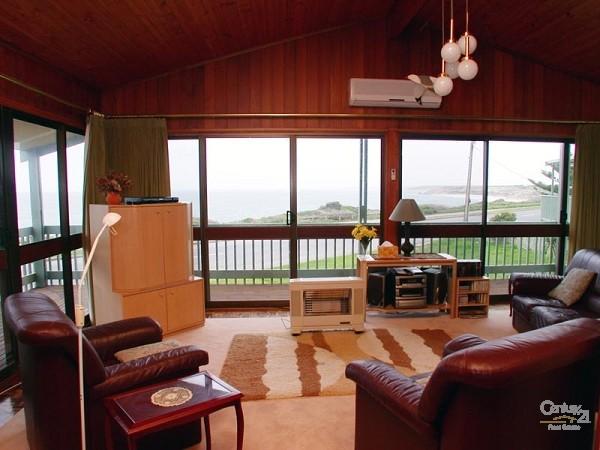 Lounge room - Upstairs - 49 Esplanade, Port Willunga - Holiday House Rental in Port Willunga