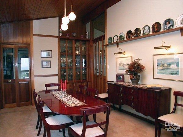 Formal dining - upstairs - 49 Esplanade, Port Willunga - Holiday House Rental in Port Willunga