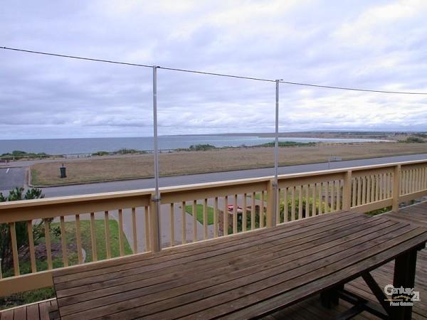 84 Esplanade, Aldinga Beach - Holiday House Rental in Aldinga Beach