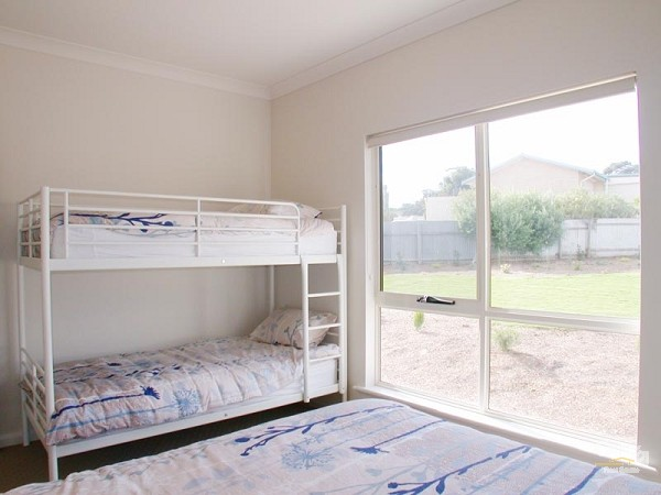 32 Milford Avenue, Sellicks Beach - Holiday House Rental in Sellicks Beach