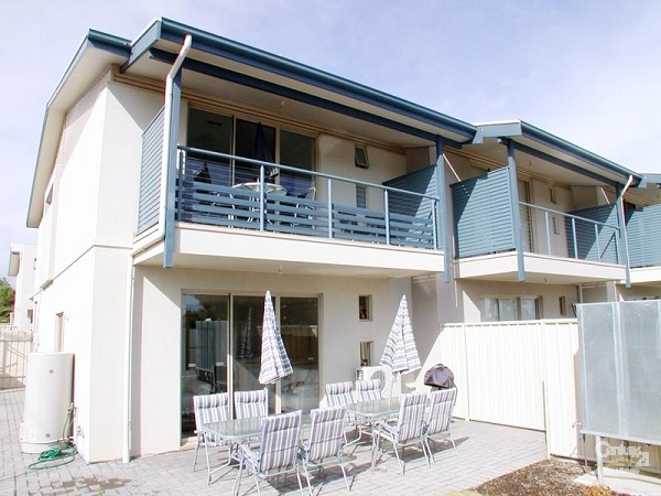 1/6 Aldinga Beach Road, Aldinga Beach - Holiday House Rental in Aldinga Beach