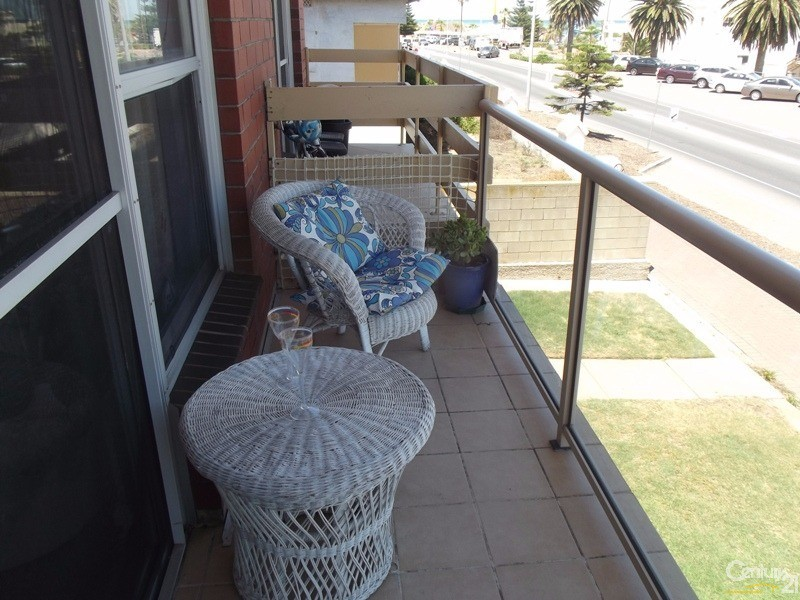 6/97 Esplanade, Semaphore - Holiday Apartment Rental in Semaphore