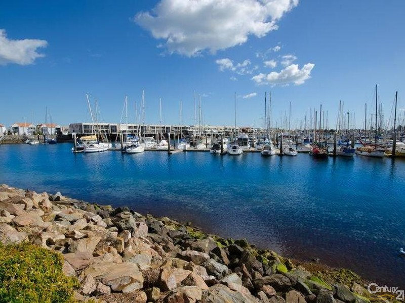 Site manager residing on site - 56/7 Arcadia Court, North Haven - Unit for Sale in North Haven