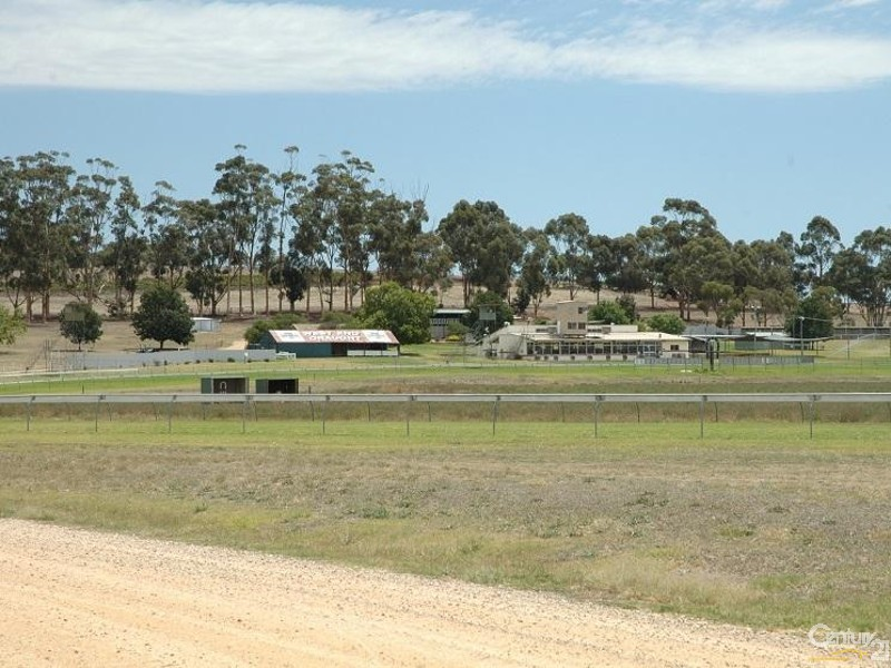 Clare Racecourse has regular meetings - 3 Hawker Street, Yacka - House for Sale in Yacka