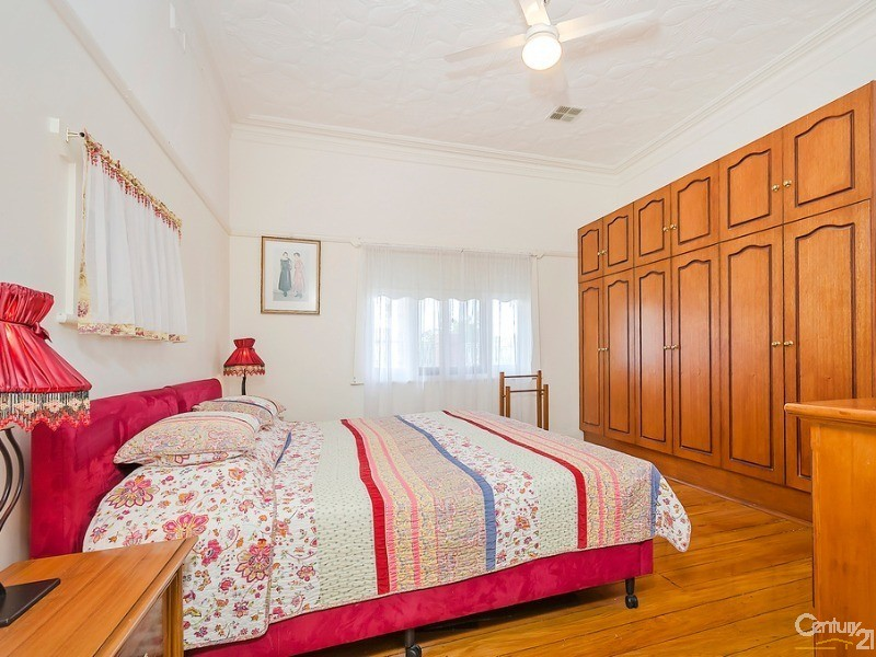 Massive north facing master bedroom with built in robes - 10 Harrold Street, Largs Bay - House for Sale in Largs Bay