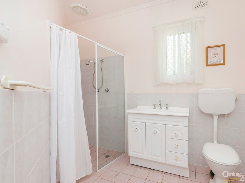 Granny/teenagers retreat bathroom and w.c. - 10 Harrold Street, Largs Bay - House for Sale in Largs Bay