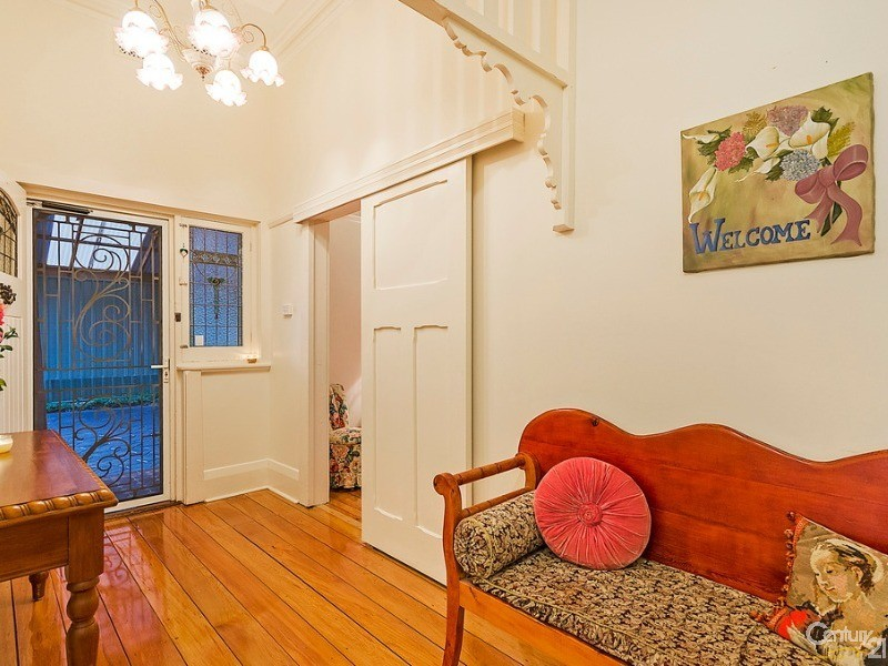 Gracious entry - 10 Harrold Street, Largs Bay - House for Sale in Largs Bay