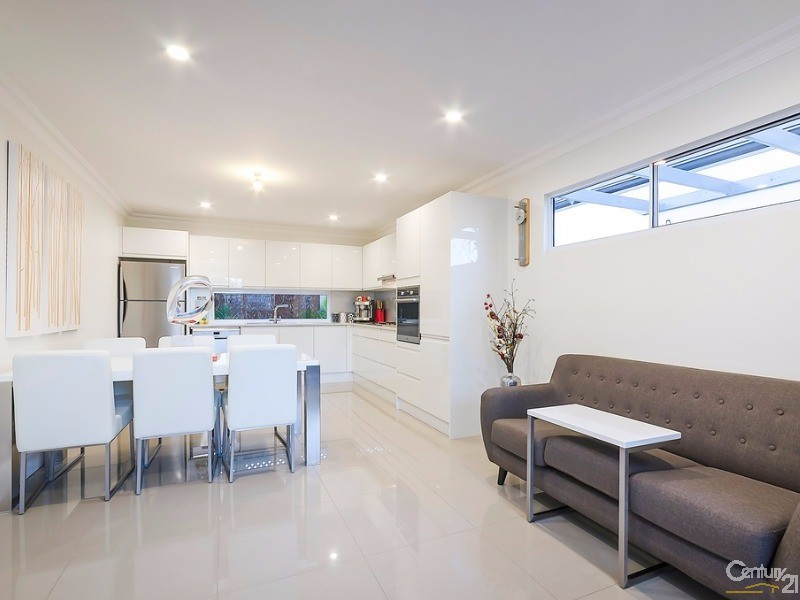 Modern new kitchen, porcelain tiled floor - Luxe' personafied - 172 Fletcher Road, Largs Bay - House for Sale in Largs Bay