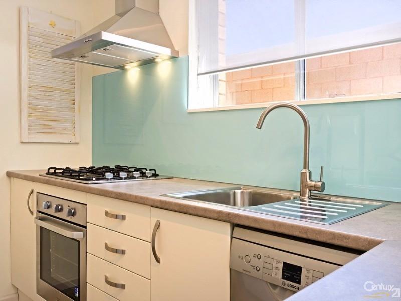 22/30 Semaphore Road, Semaphore - Holiday Apartment Rental in Semaphore