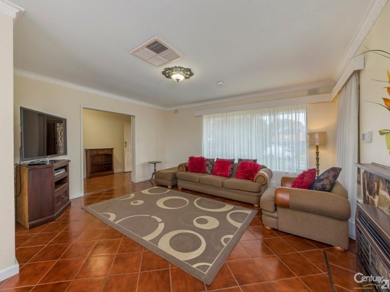 19 Port Lincoln Boulevard, Pasadena - House for Sale in Pasadena