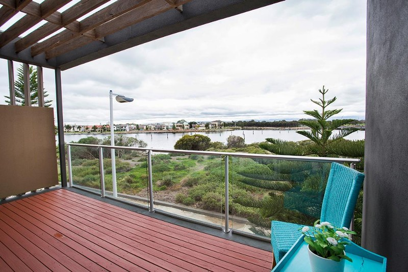 16 Yao Cove, New Port - House for Sale in New Port