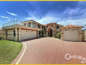 CENTURY 21 Gold Key Realty Property of the week