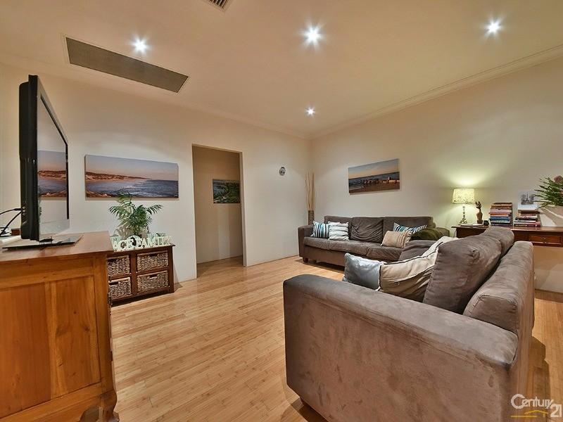 27 Gateshead Loop, Mindarie - House for Sale in Mindarie