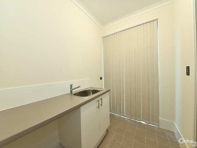 40 Leeward Ave, Eglinton - House for Sale in Eglinton