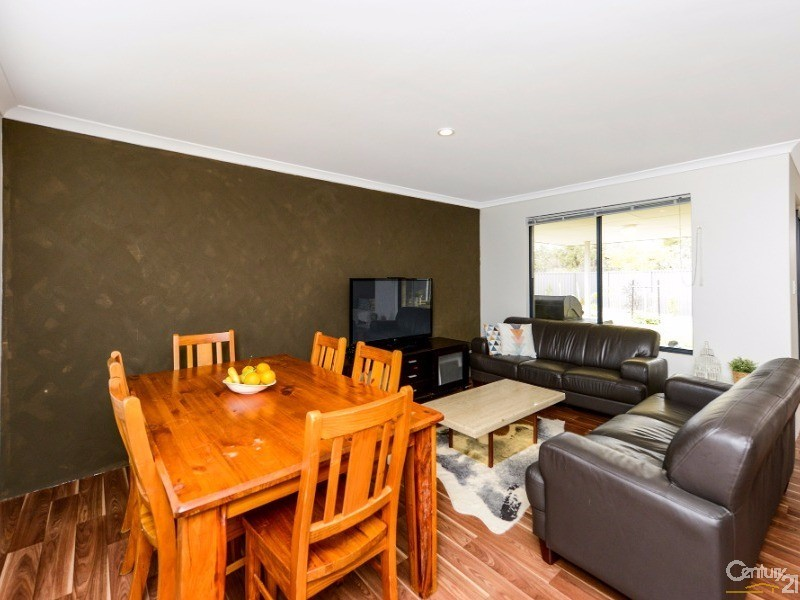 63 Bellazario Prom, Aveley - House for Sale in Aveley