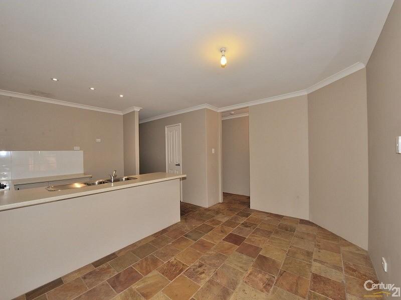 10/12 McNicholl Street , Rockingham - Villa for Sale in Rockingham