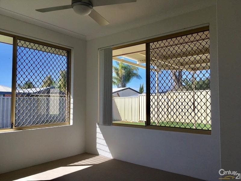 24 Lindeman Court, Waikiki - House for Rent in Waikiki