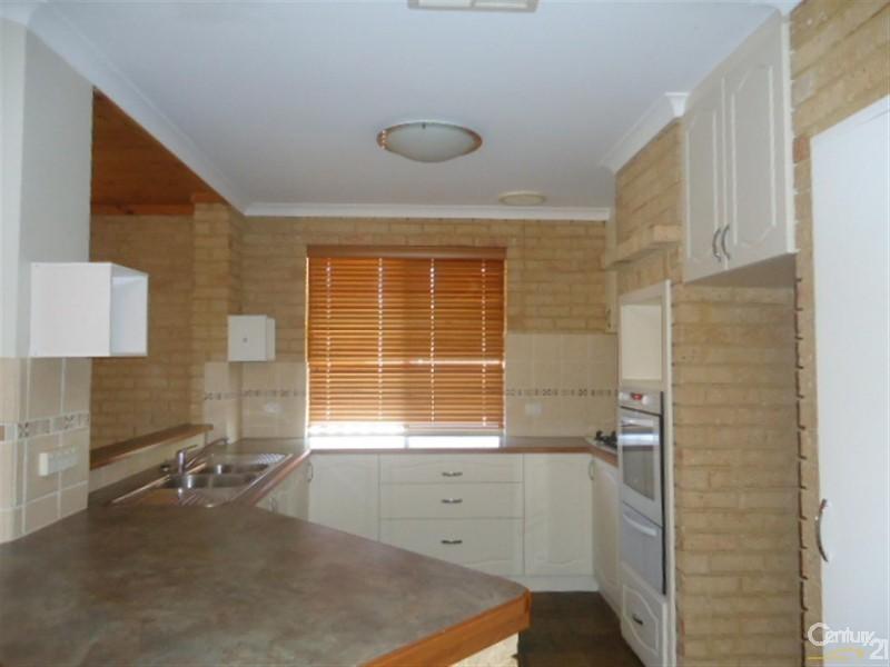 4 Bideford Street, Warnbro - House for Rent in Warnbro
