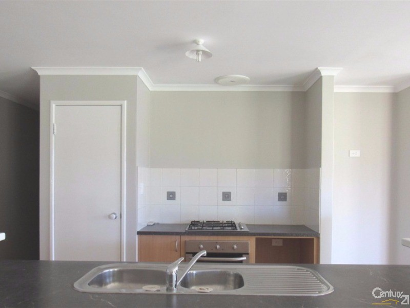 46 Wittecarra Crescent, Port Kennedy - House for Rent in Port Kennedy