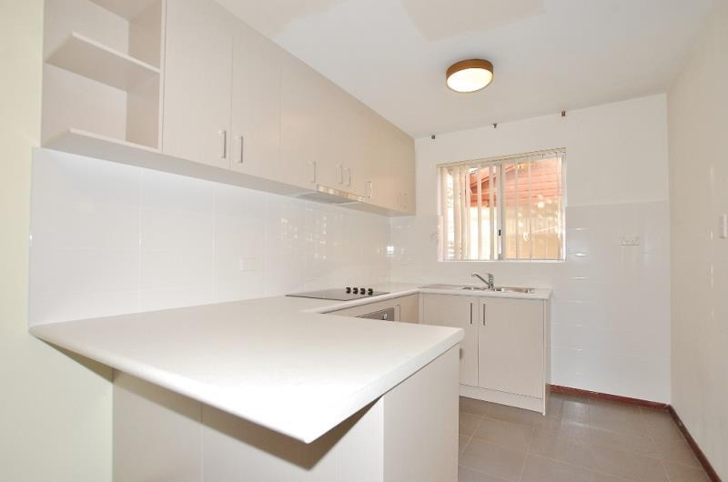 2/236 Coode Street, Como - Townhouse for Rent in Como