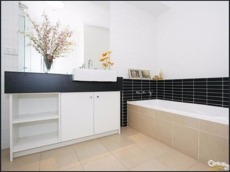 49 Botanic Drive, Clayton South - House for Rent in Clayton South