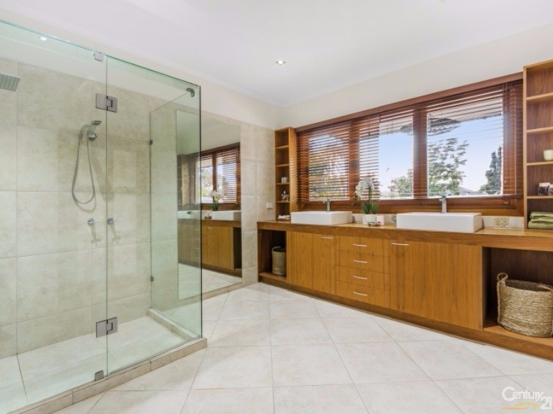 19 Beach Rd, Beaumaris - House for Sale in Beaumaris