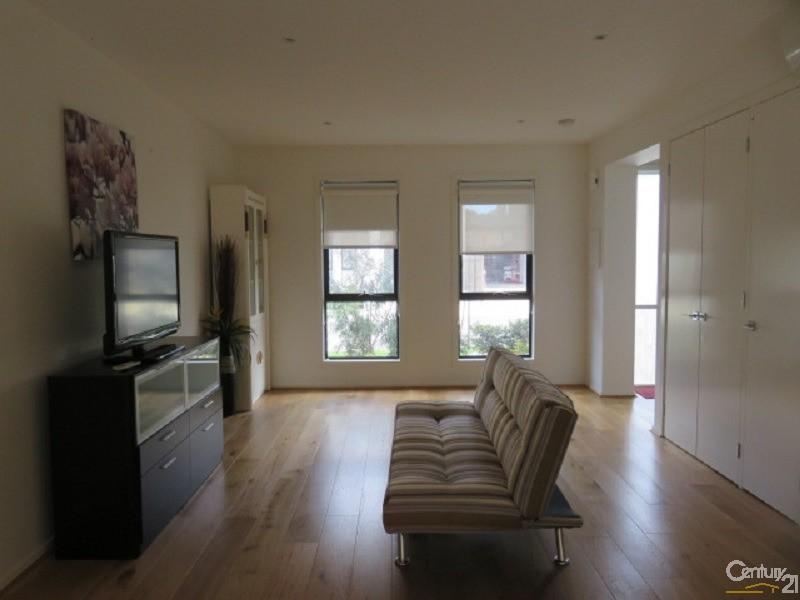 49 Primrose Avenue, Cheltenham - Townhouse for Rent in Cheltenham